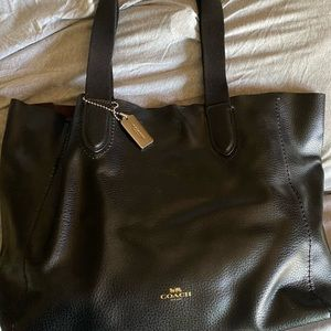 Coach blk leather tote